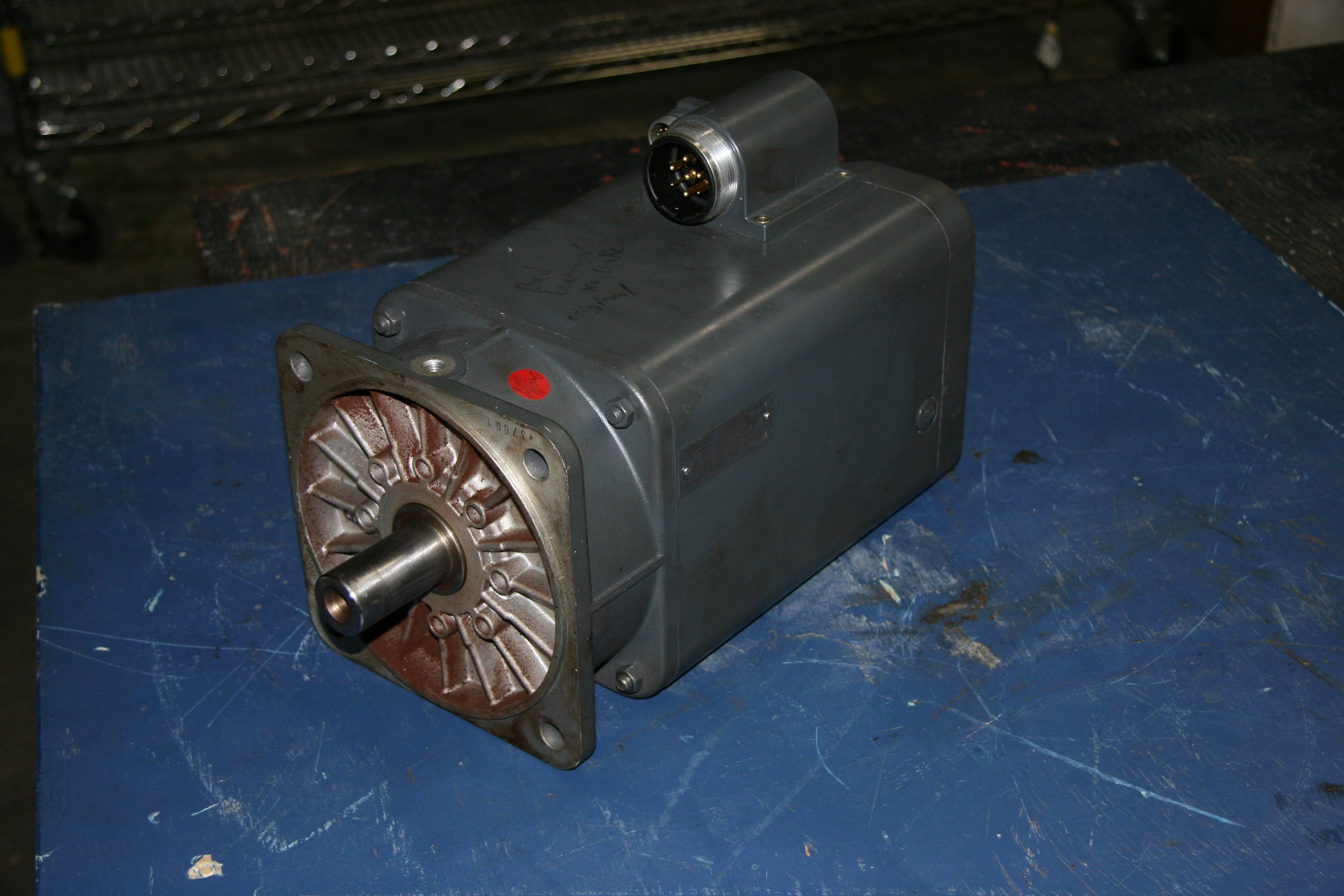 (1) Used Siemens 1FT5102-0AC71-4AH0 Servo Motor 10181