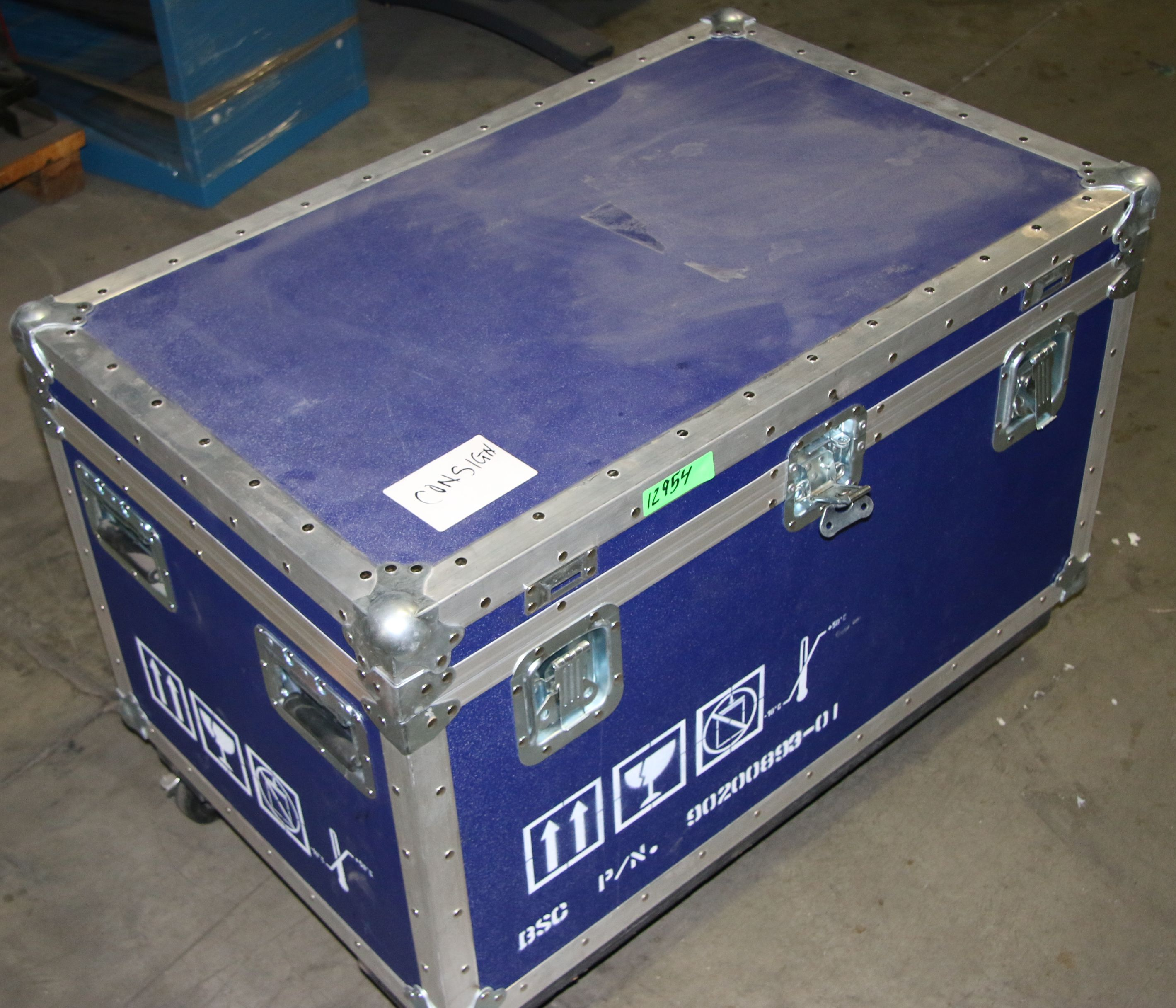 (1) Used Wheeled Shipping Case Overall Size: 36.5″ x 23″ 25.5″