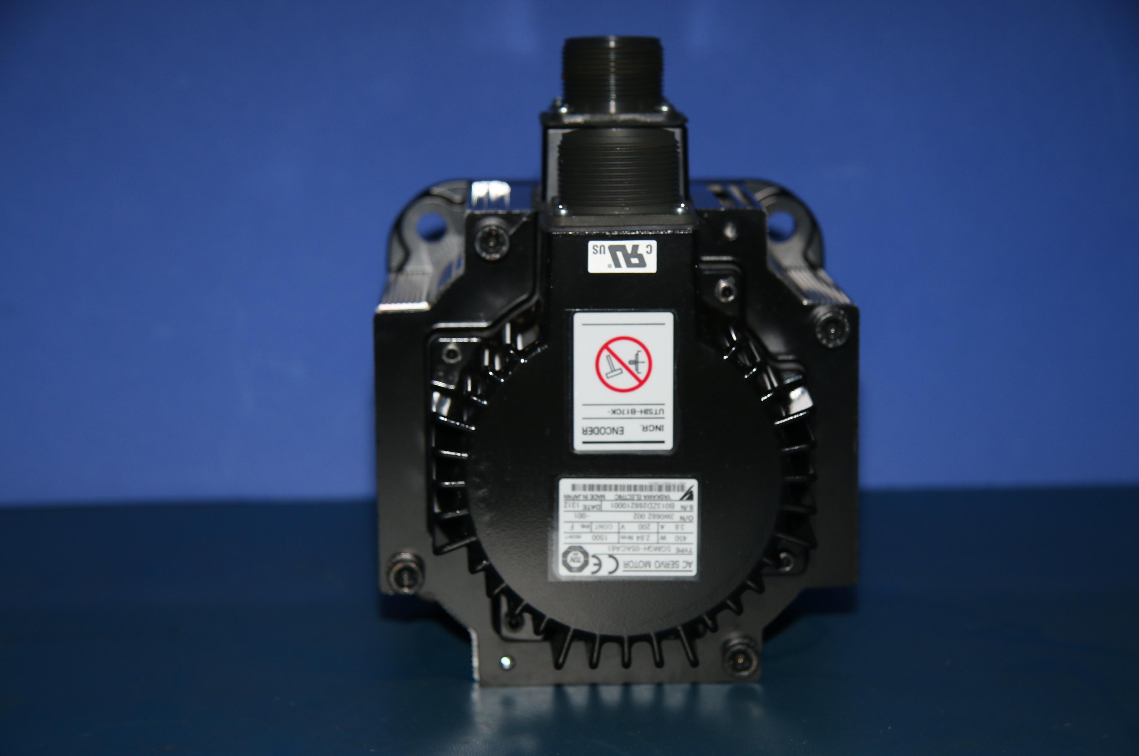 (1) New Yaskawa SGMGH-05ACA61 AC Servo Motor 3 Phase 15414