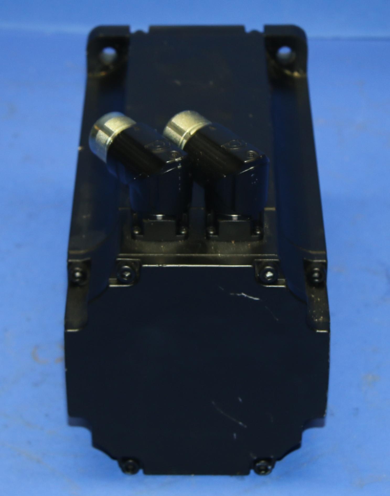 (1) New B&R Automation 8LSN44.EB030D700-0 Servo Motor 15526