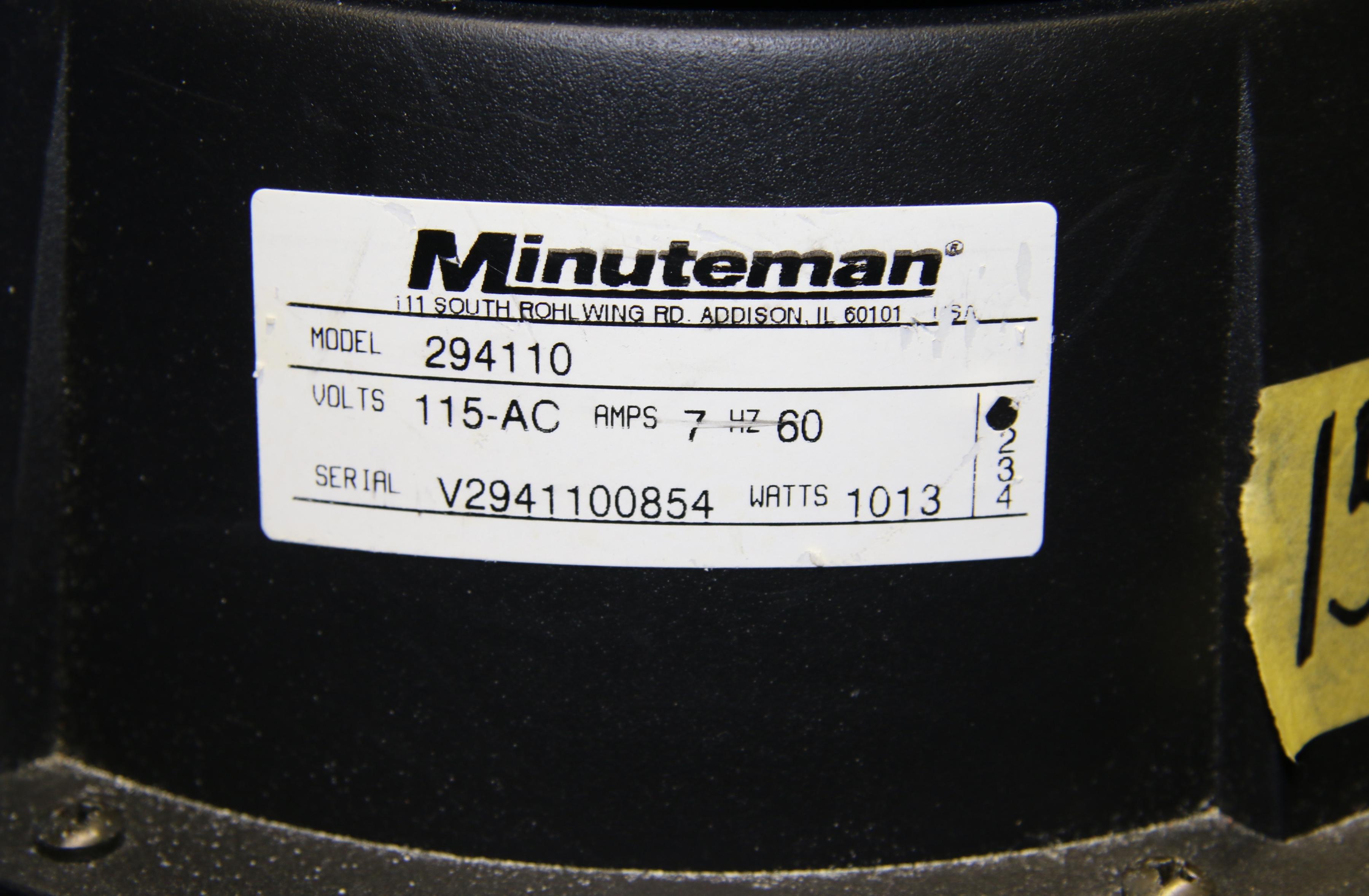 (1) Used Minuteman 294110 Dry Vacuum 15684