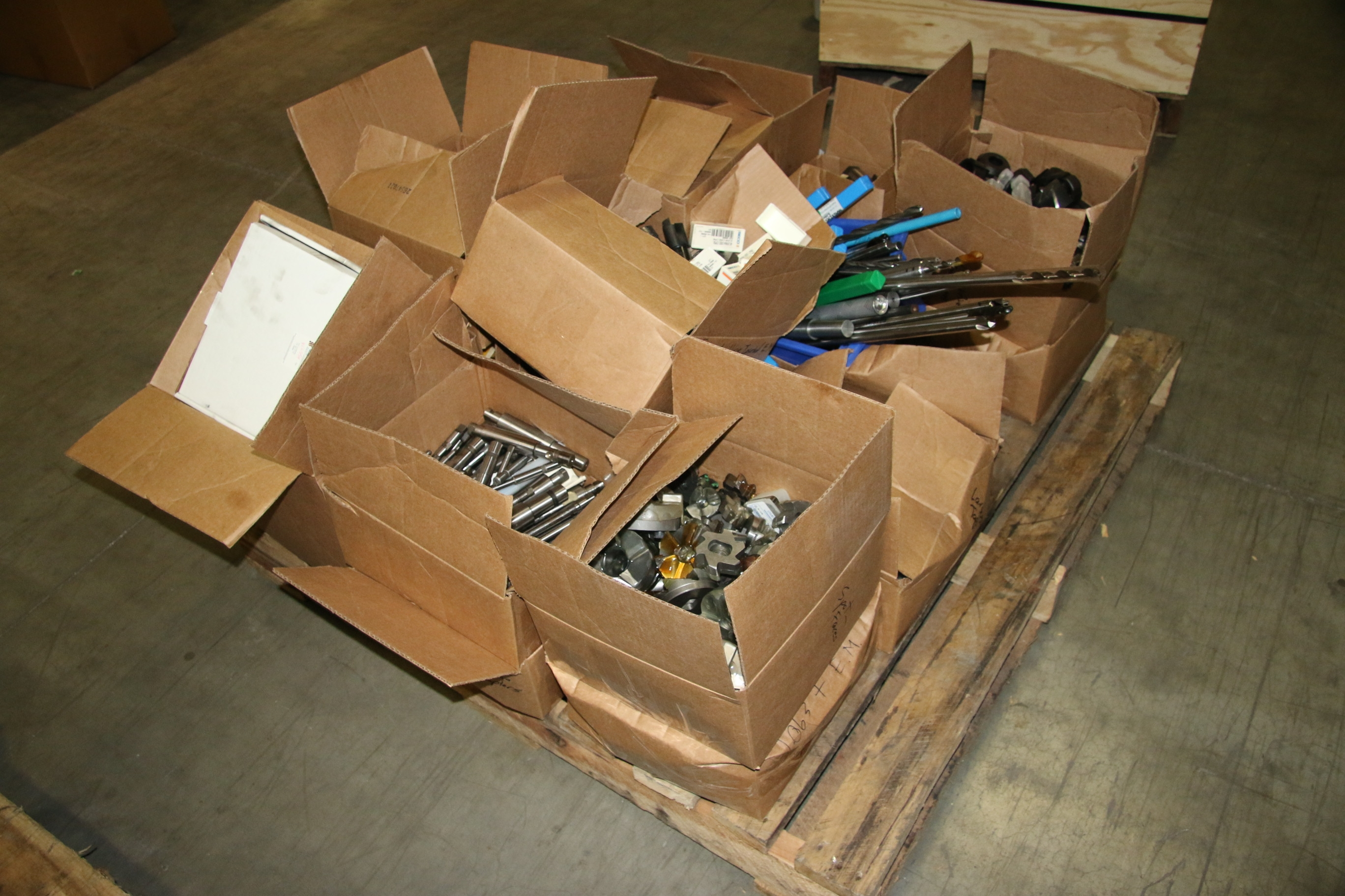 (1) Pallet Of Used Milling, Drilling, Inserts And Other Machine Tool Tooling Par