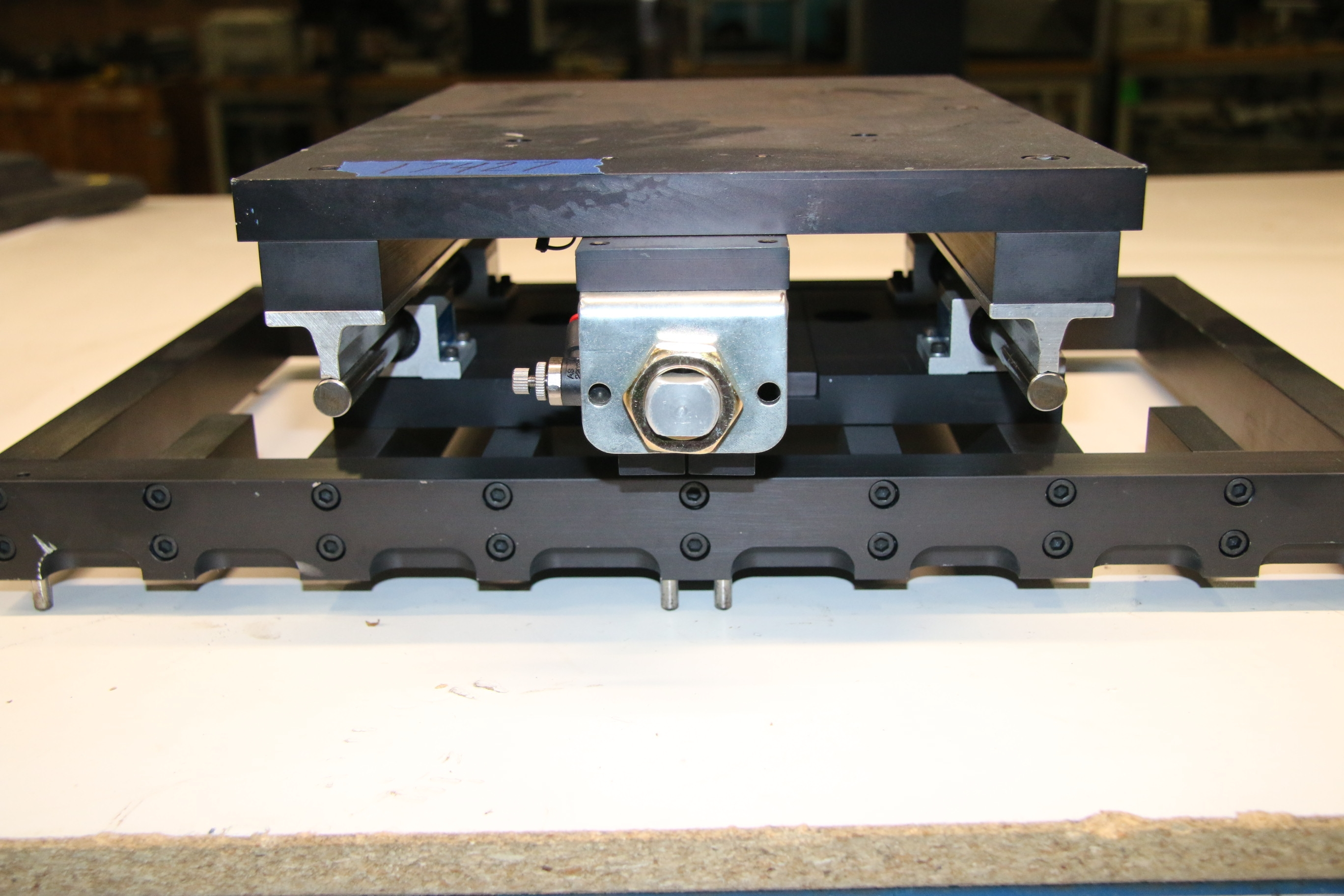(1) Used Hydrolic Controlled Table 16″ x 11″ 17427