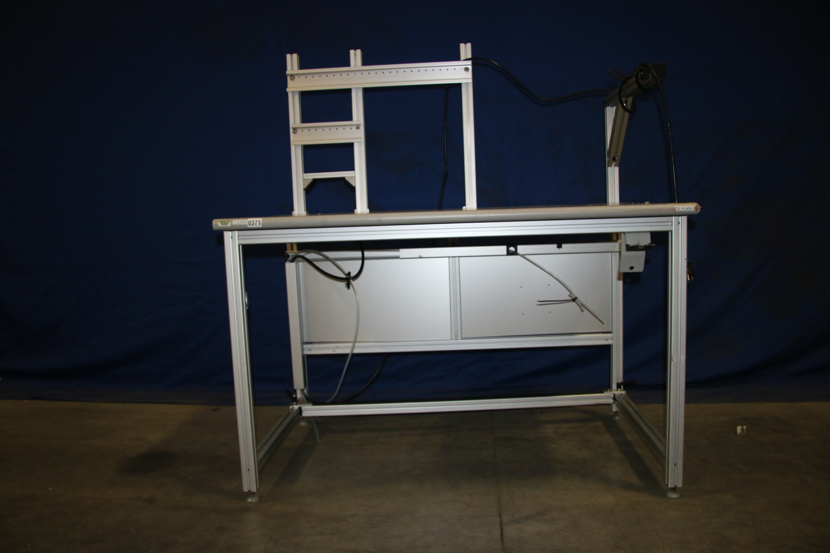 Used 80/20 T-Slotted Aluminum Frame 48″ x 31″ x 32″ Custom Work Bench 17480