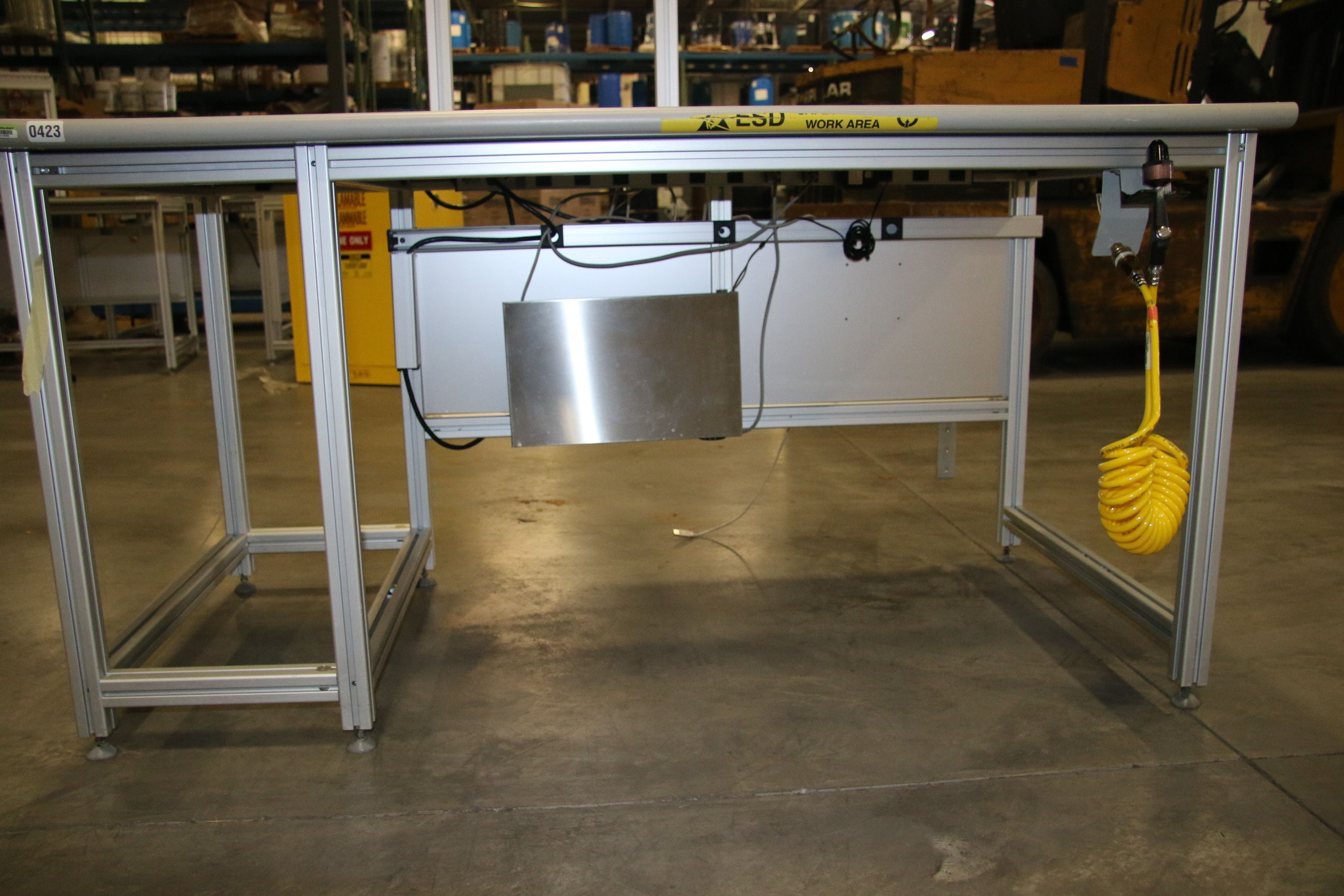 Used 80/20 T-Slotted Aluminum Frame 60″ x 31″ x 32″ Custom Work Bench 17481