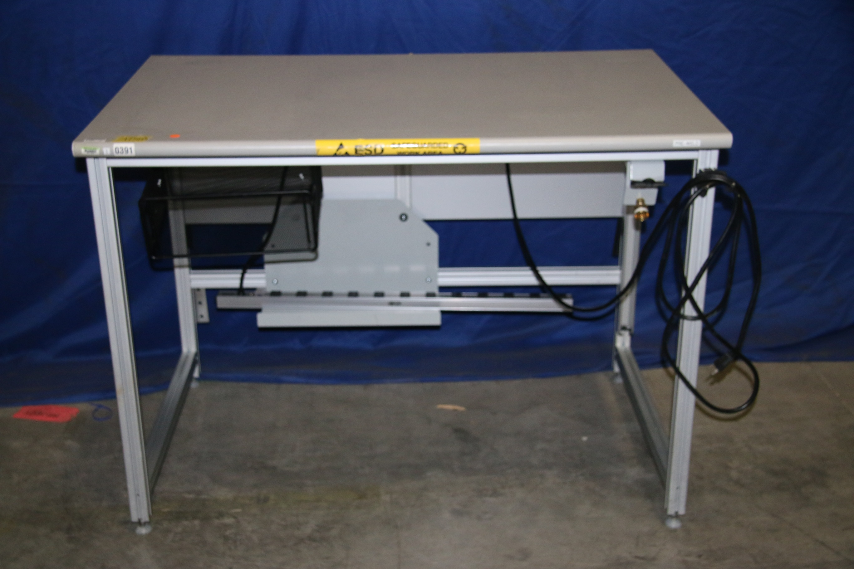 Used 80/20 T-Slotted Aluminum Frame 48″ x 31″ x 36″ Custom Work Bench 17503