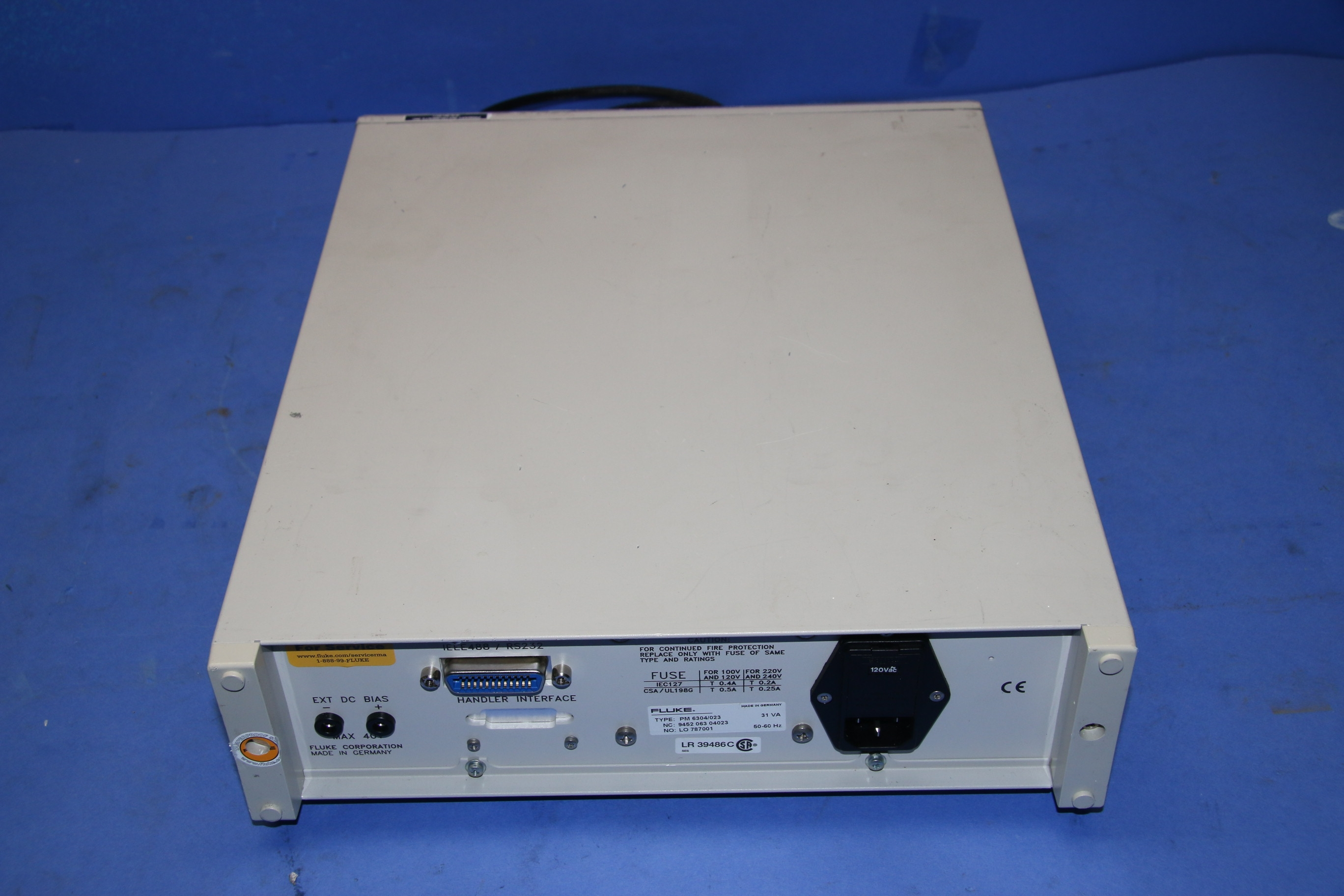 Used Fluke PM6304 Programmable Automatic RCL Meter With SMD Tweezers 17566